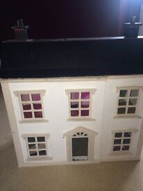 Kids Dolls House..Fab dolls house fir all ages few extra included