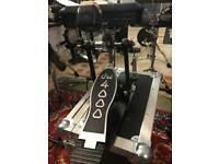 DW 4000 bass drum pedal