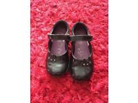 Girls Clarks school shoes size 8.5g