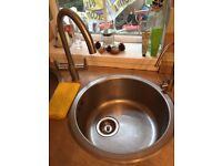 Bargain!! Round Stainless Steel Sink with Round Drainer for Sale AND mixer tap