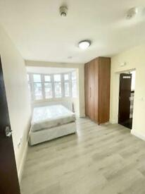 Rent Double Room Ensuite close to Osterley London Underground station