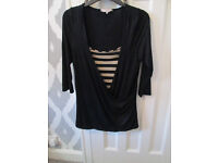 LOVELY LADIES MATERNITY BLACK/GOLD TOP (NEW LOOK) - IDEAL FOR XMAS - SIZE 14 - EXC. COND.