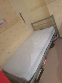 single bed with matress and beddung bundle