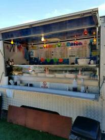 Seafood trailer ready to go business