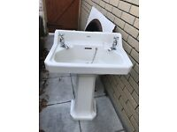 Royal dolton pedestal sink