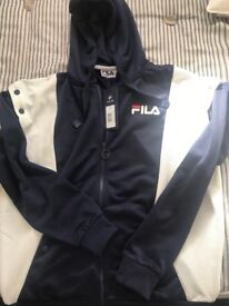 82d92e19ed06  NEW FILA HOODIE  SIZE M PERFECT FOR COLD NIGHTS