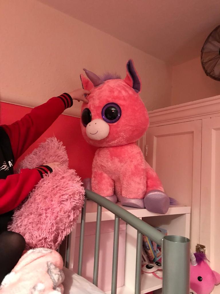 Humongous TY beanie boo unicorn ***