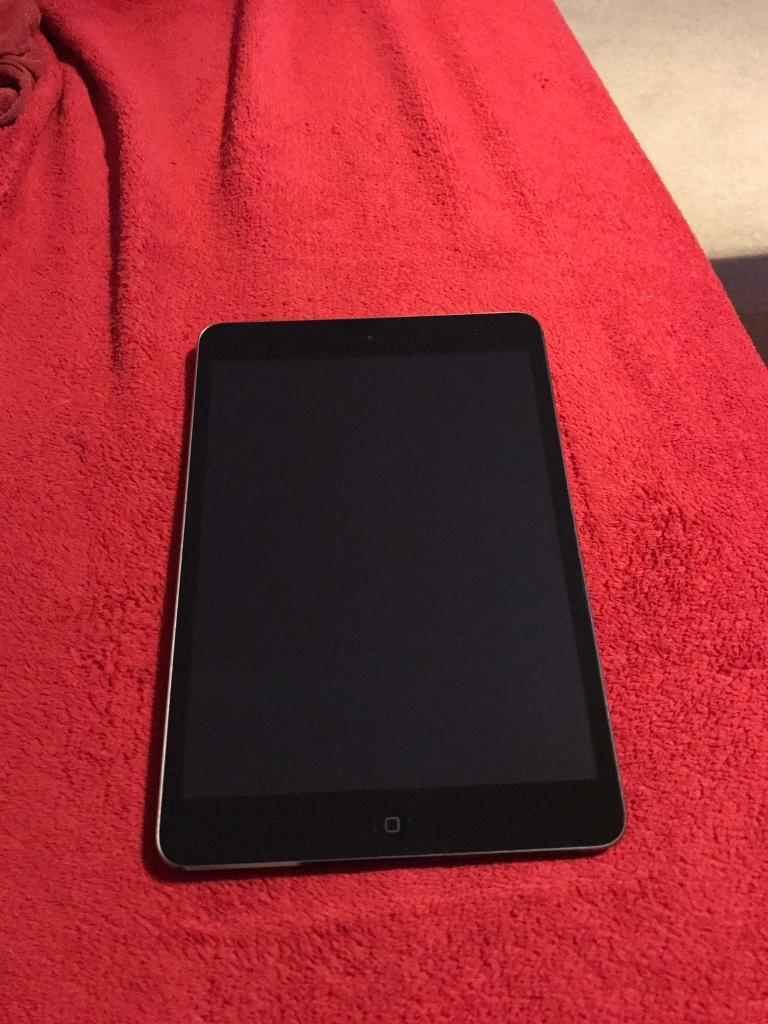 iPad Mini Retina Display 2nd Generation 16gb wifi only. collection only