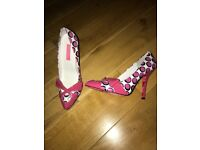 Brand new Betsy Johnston shoes size 5