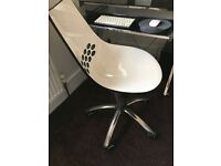 Modern Black and white Computer Chair
