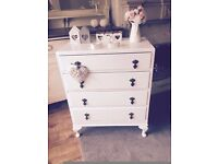 Old vintage shabby chic chest of drawrs