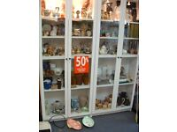 SHOP CLOSING DOWN GLASS DISPLAY CABINETS & SHELVING FOR SALE