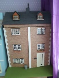 DOLLS HOUSE 6 ROOMS WITH LIGHTS & FURNITURE