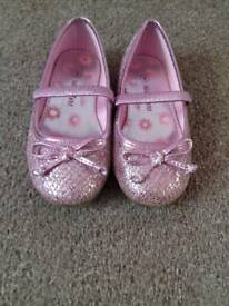 Girls size 8 pink sparkle shoes