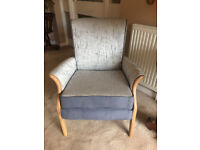 GORGEOUS PARKER KNOLL CHAIR IN CLARKE AND CLARKE SILVER BIRCH FABRIC