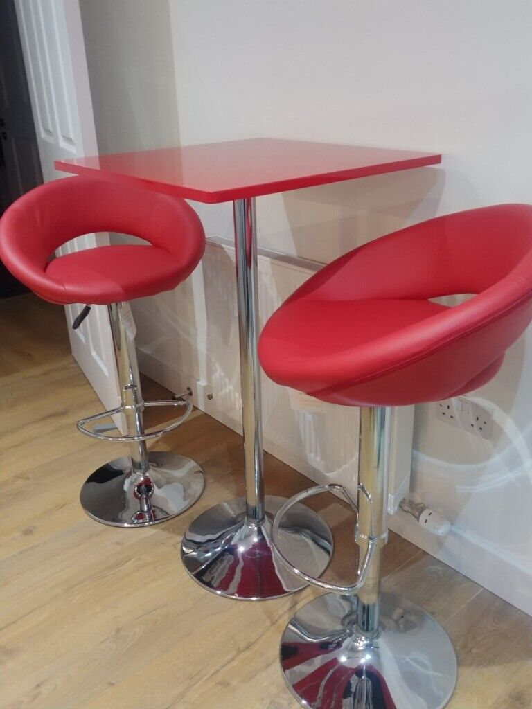 Awesome Kitchen Bar Table And Stools Ex Dwell In Aberdeen Gumtree Customarchery Wood Chair Design Ideas Customarcherynet