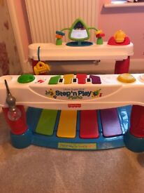 Fisher price - step on Piano.