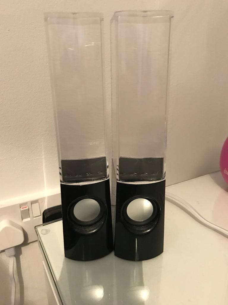 Black dancing water speakers