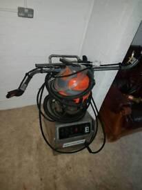 Hot steam carpet cleaner
