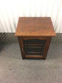 100 GBP for all: Furniture must go: Sold as Seen, Cash and Carry. Tables, mirrors, chest of drawers.