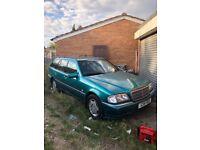 Mercedes Benz - C180 Elegance - Auto - Petrol - Spares or Repairs!