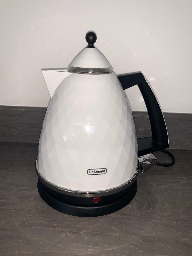 De'Longhi Kettle and Toaster | in Renfrew, Renfrewshire | Gumtree