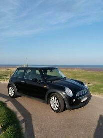 Black Mini Hatch 1.6 Cooper