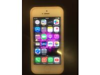 I phone 5 32 GB Unlocked Mint Condition White