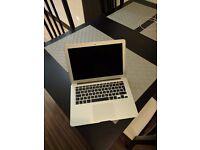 Macbook Air (13-inch, Mid 2012, 2Ghz i7 8 GB RAM 256 SSD)
