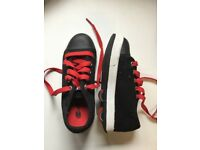Heelys black size 12- hardly used excellent condition