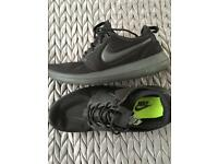 Nike Roshe men's shoes trainers size 8