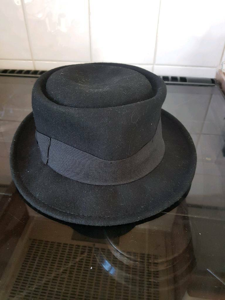 Black felt hat from H and M  92a9551ffed