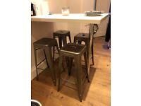 4 Bar stool