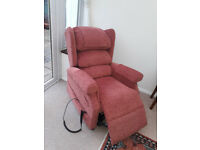 Lift and Recline Medina Cosi Armchair - 3 months old hardly used. Dual motor handset.