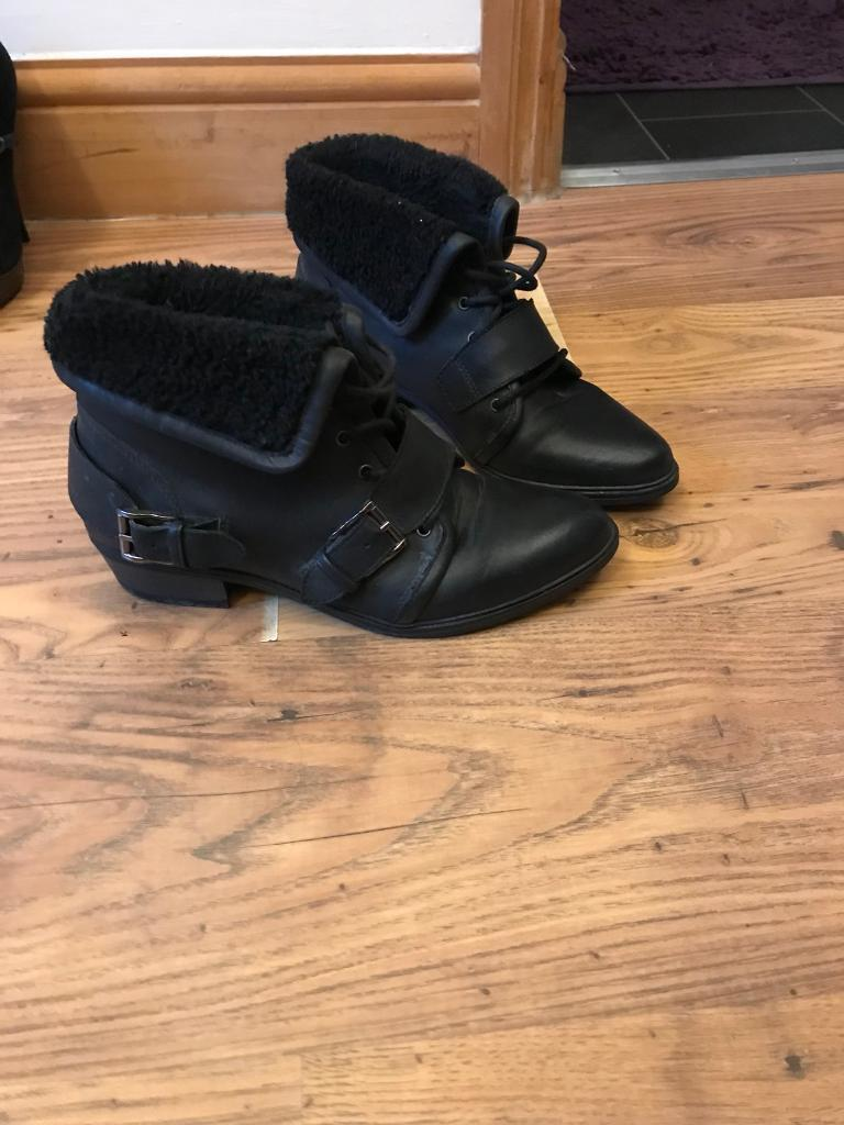 Office - Black leather boots