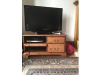 Panasonic LCD TV TX-32LZD80. Free Sony CD/DVD player DVP-NS330 also. Both in good condition.