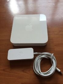 Apple AirPort Extreme Base Station (A1143)