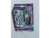 Monster High LIP GLOSS lip balm & keyring CHERRY FLAVOUR Genuine GIFT !!