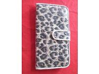 Stylish Leopard Pattern Purse