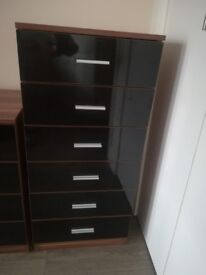 Beautiful chest of 6 drawers