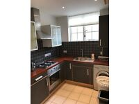 Cozy and modern 2/3 double bed flat with a lounge 2 min to Bow Station ideal for sharers/subleters!