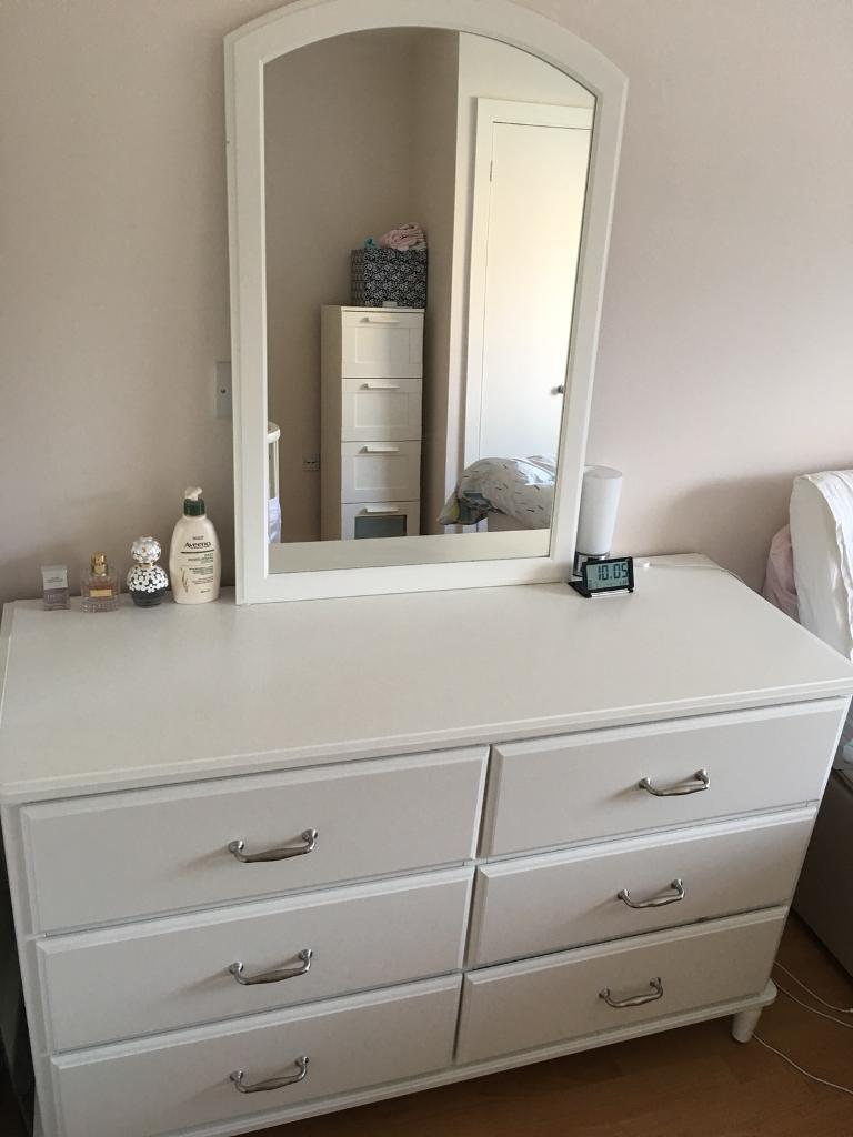 IKEA tyssedal chest of drawers malm - perfect condition with soft close drawers