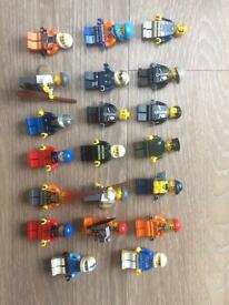 Set of 20 cops and robbers and workers/builders