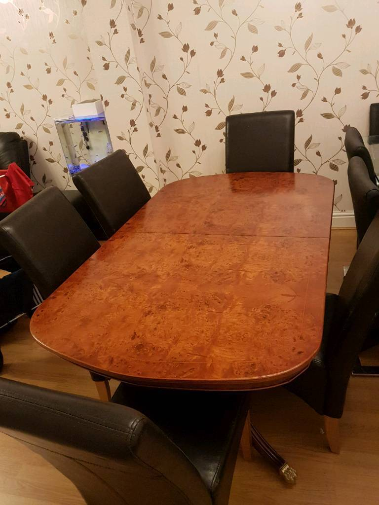 Solid wood dinning table and 6 chairs leather