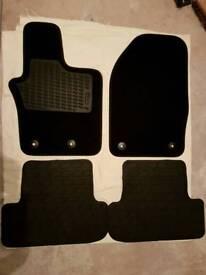 Fiat 500X car mats