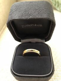 Tiffany 1837 18ct Yellow Gold ring nearly new and in pristine condition