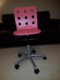Adjustable children s desk chair