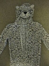 FABULOUS SNOW LEOPARD ONESIE - IMMACULATE CONDITION Age 8-9 - warm & cuddly BARGAIN PRICE ONLY £5
