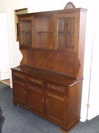 Dark wood dresser 1390 x 405 x 1830 mm