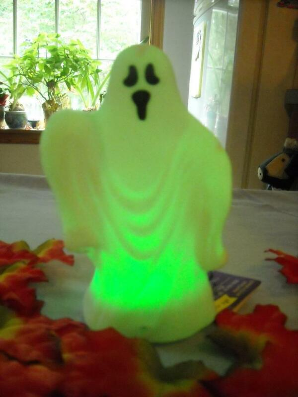 Halloween Ghost LED Light & Spooky Sounds - Motion Sensor Activated - NEW